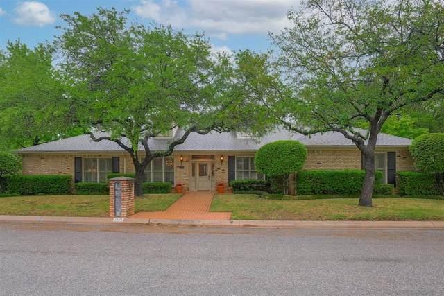 1101 Southmont Drive, Denton, TX 76205 (MLS #14557039) :: Jones-Papadopoulos & Co