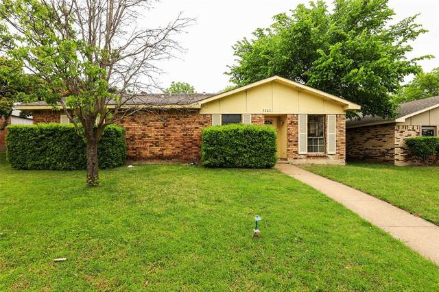 7223 Chinaberry Road, Dallas, TX 75249 (MLS #14557368) :: Wood Real Estate Group