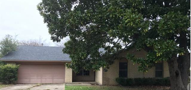 2723 Emerson Lane, Denton, TX 76209 (MLS #14557540) :: The Mauelshagen Group