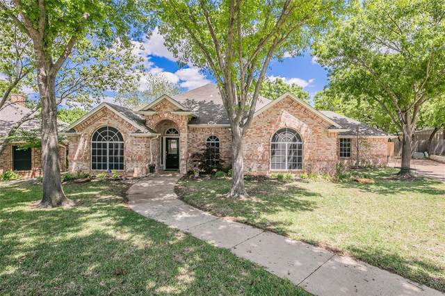 7712 Ridgeway Court, North Richland Hills, TX 76182 (MLS #14557649) :: Trinity Premier Properties
