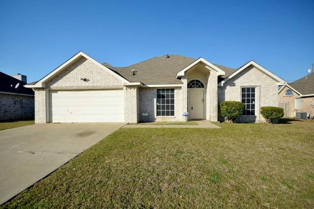 305 Victoria Drive, Glenn Heights, TX 75154 (MLS #14558187) :: Wood Real Estate Group