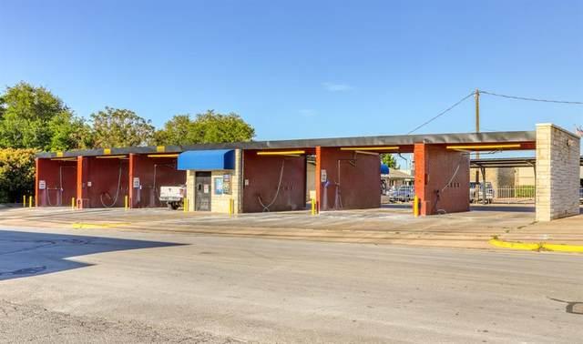 724 W Pearl Street, Granbury, TX 76048 (MLS #14558348) :: The Mauelshagen Group