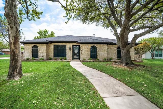2220 Roundrock Drive, Carrollton, TX 75007 (MLS #14559107) :: Frankie Arthur Real Estate