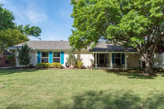1206 Mildred Lane, Benbrook, TX 76126 (MLS #14559167) :: VIVO Realty