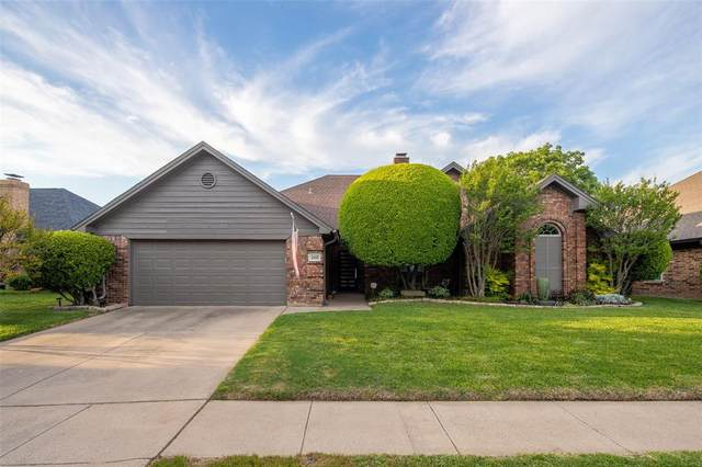 2601 Woodfield Way, Bedford, TX 76021 (MLS #14559257) :: The Mitchell Group