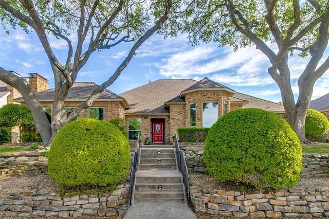 3005 Faulkner Drive, Rowlett, TX 75088 (MLS #14559657) :: Team Hodnett