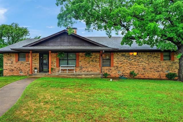 1015 S Lang Avenue, Denison, TX 75020 (MLS #14559697) :: The Mauelshagen Group