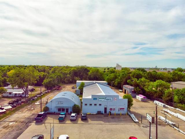 1803 N Main Street, Cleburne, TX 76033 (MLS #14560088) :: The Kimberly Davis Group