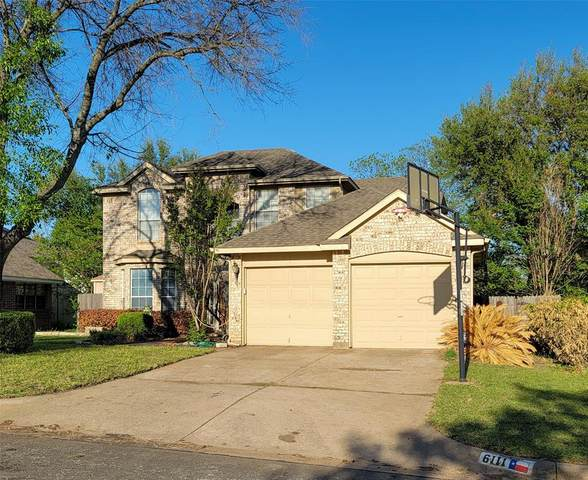 6111 Kingswood Drive, Arlington, TX 76001 (MLS #14560258) :: The Rhodes Team