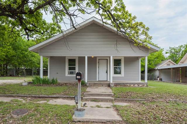 741 W Long Street, Stephenville, TX 76401 (MLS #14560320) :: The Chad Smith Team