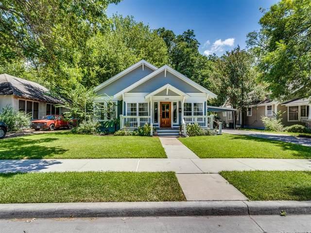 210 Virginia Avenue, Waxahachie, TX 75165 (MLS #14560521) :: The Krissy Mireles Team