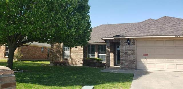 1320 Buckingham Lane, Kaufman, TX 75142 (#14560900) :: Homes By Lainie Real Estate Group
