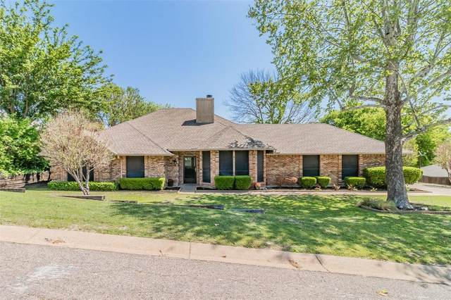 8708 Overland Drive, Fort Worth, TX 76179 (MLS #14561025) :: The Chad Smith Team