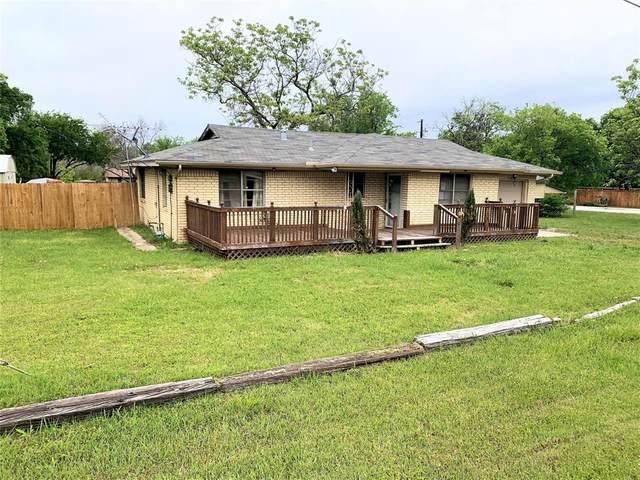 501 W Lake Street, Krum, TX 76249 (MLS #14561392) :: The Mauelshagen Group