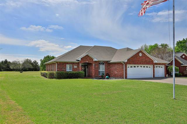 2104 Wheeler Creek Circle, Gainesville, TX 76240 (MLS #14561654) :: VIVO Realty