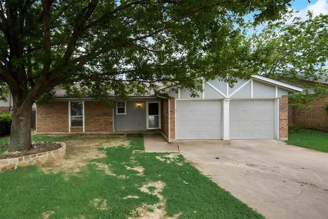 6524 Meadowlark Lane E, Watauga, TX 76148 (MLS #14561828) :: Wood Real Estate Group