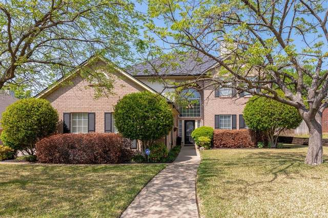 316 Montreal Drive, Hurst, TX 76054 (MLS #14561842) :: The Chad Smith Team