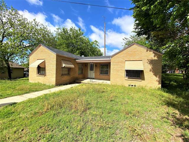 302 S Church, Decatur, TX 76234 (#14562432) :: Homes By Lainie Real Estate Group