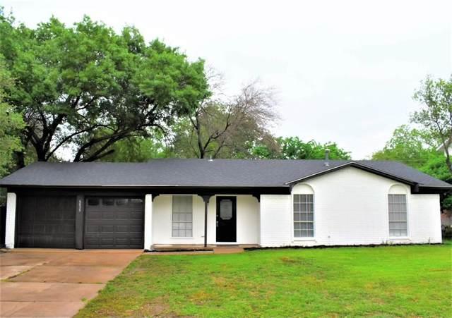 6835 John Drive, Richland Hills, TX 76118 (MLS #14562636) :: Wood Real Estate Group