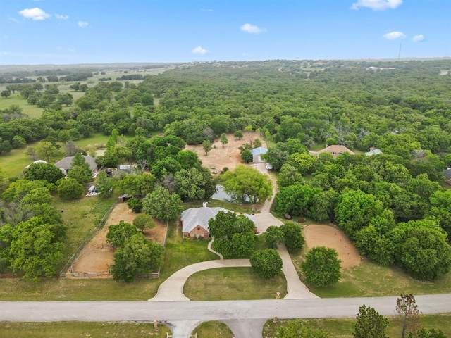 210 Saddle Club Road, Weatherford, TX 76088 (#14563672) :: Homes By Lainie Real Estate Group