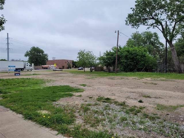 604 N Oak Street, Roanoke, TX 76262 (MLS #14563873) :: Real Estate By Design