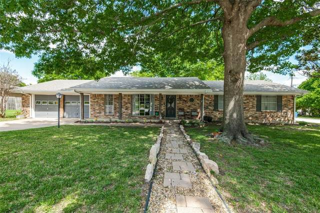 1203 S Stratton Street, Decatur, TX 76234 (MLS #14564009) :: The Kimberly Davis Group