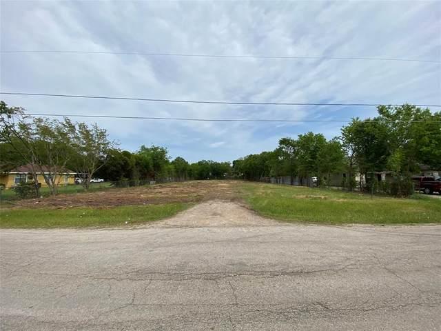 2740 Lolita Drive, Dallas, TX 75227 (MLS #14564037) :: The Kimberly Davis Group