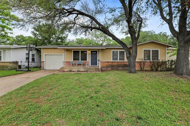 228 W Pecan Street, Hurst, TX 76053 (MLS #14564065) :: The Star Team | JP & Associates Realtors