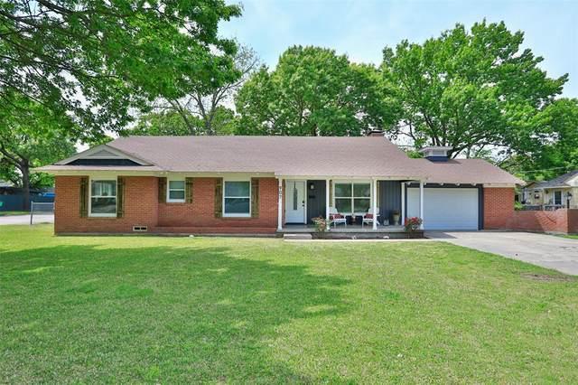 907 S Rusk Street, Gainesville, TX 76240 (MLS #14564085) :: VIVO Realty