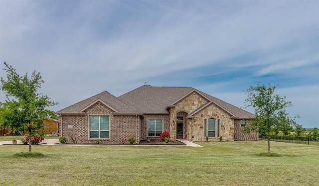 107 High Country Road, Decatur, TX 76234 (#14565033) :: Homes By Lainie Real Estate Group