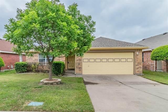 10424 Lake Brook Drive, Fort Worth, TX 76053 (MLS #14565223) :: Frankie Arthur Real Estate