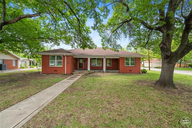 2301 Belmeade Street, Brownwood, TX 76801 (MLS #14565760) :: RE/MAX Landmark