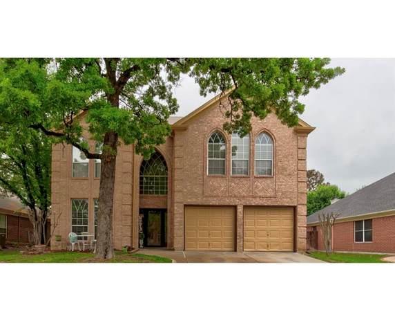 531 Deerwood Drive, Burleson, TX 76028 (MLS #14565928) :: Maegan Brest | Keller Williams Realty