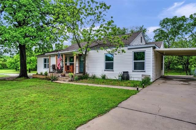 1731 W Crawford Street, Denison, TX 75020 (MLS #14566407) :: The Kimberly Davis Group