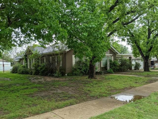806 Carolina Street, Graham, TX 76450 (MLS #14566713) :: Team Hodnett