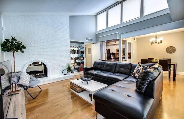 5908 Sandhurst Lane #242, Dallas, TX 75206 (MLS #14566854) :: Craig Properties Group