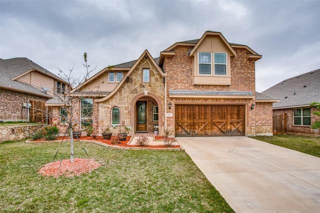 302 Pine Crest Drive, Justin, TX 76247 (MLS #14566876) :: Justin Bassett Realty