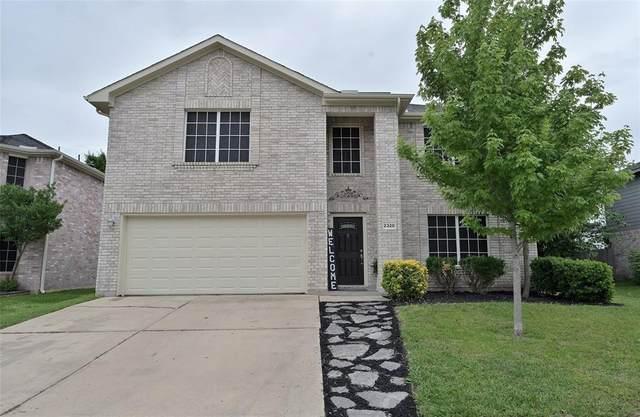 2320 Bantry Lane, Arlington, TX 76002 (MLS #14566973) :: Team Hodnett