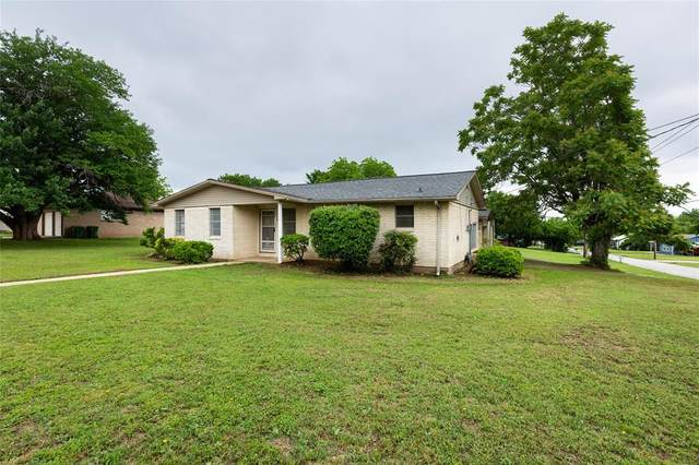 300 E 5th Street, Springtown, TX 76082 (MLS #14567391) :: VIVO Realty