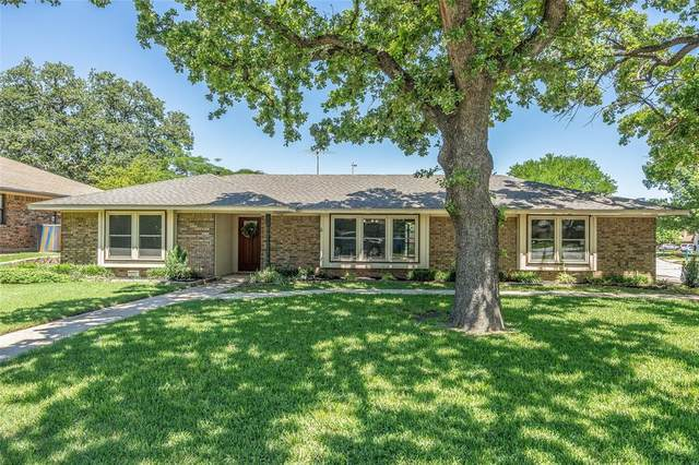 1900 Shenandoah Avenue, Grapevine, TX 76051 (MLS #14567489) :: The Krissy Mireles Team