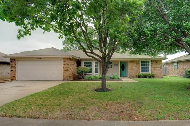 409 Indian Crest Drive, Saginaw, TX 76179 (MLS #14567809) :: Team Hodnett