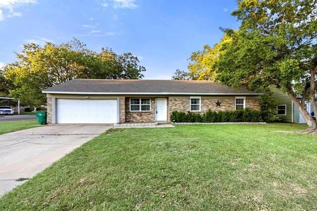 5701 Hanson Drive, Watauga, TX 76148 (MLS #14567955) :: Wood Real Estate Group