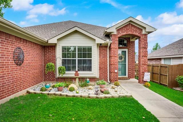 2612 Hilcroft Avenue, Denton, TX 76210 (#14567966) :: Homes By Lainie Real Estate Group