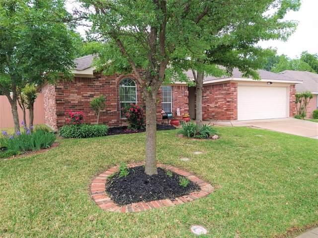 616 Daniel, Burleson, TX 76028 (MLS #14568065) :: Wood Real Estate Group