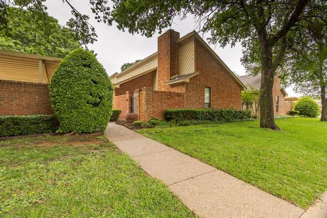 921 Cedarland Boulevard, Arlington, TX 76011 (MLS #14568134) :: Trinity Premier Properties