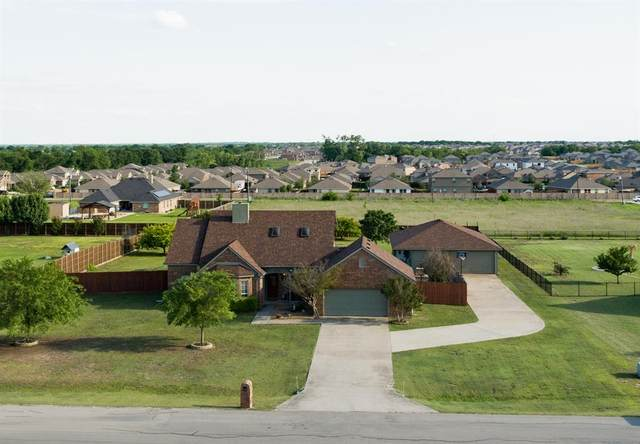 1698 Sportsman Lane, Van Alstyne, TX 75495 (MLS #14568416) :: The Mitchell Group