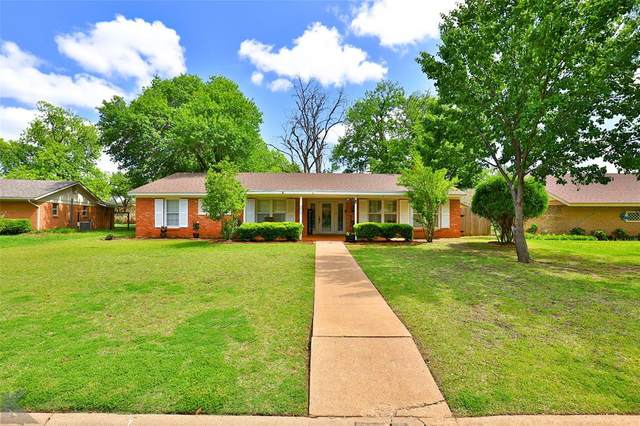 2229 Oakwood Lane, Abilene, TX 79605 (MLS #14568445) :: Frankie Arthur Real Estate