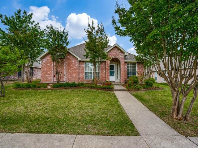 7002 Alissa Drive, Rowlett, TX 75089 (MLS #14568537) :: Team Hodnett