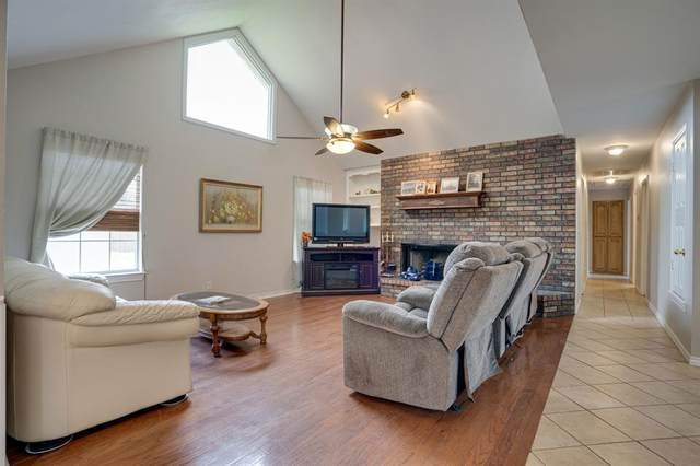 1020 W Russell Avenue, Bonham, TX 75418 (MLS #14568608) :: RE/MAX Landmark