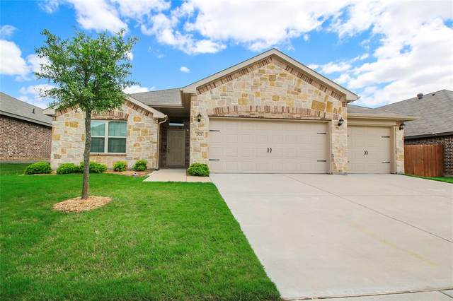 2521 Weatherford Heights Drive, Weatherford, TX 76087 (#14568698) :: Homes By Lainie Real Estate Group